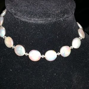 Freshwater  and flat pearl neclace